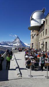 Gornergrat Bahn-bergstation-terras met uitzicht op de Matterhorn
